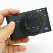 ソニー「RX100 VII」はポケットに入る「α9」。20コマ/秒の連写やブラックアウトフリー対応
