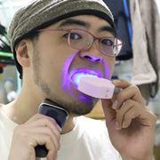 45秒で歯が磨ける! マウスピースをくわえるだけの「奇抜な電動歯ブラシ」を使ってみた