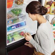 "[PR]業界初! アクアの冷凍冷蔵庫「デリエ」は冷蔵室から野菜室が""見える"""