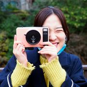 タカラトミーなのに大人向け!7千円で買えるエモいインスタントトイカメラ「Pixtoss(ピックトス)」