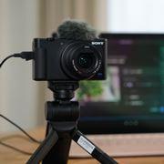 ソニー「VLOGCAM ZV-1」がアプデでUVC/UAC対応! USB接続だけで高画質なWebカメラに
