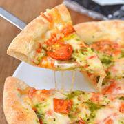 今「チルドピザ」がウマい! スーパーの定番5種を食のプロが食べ比べてみた