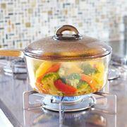 """中が丸見え! 透明な""""ガラスのお鍋""""で料理がちょっとラク&楽しくなる♪"""