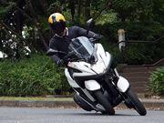 """前輪が2つ!? 話題の""""3輪バイク""""ヤマハ「TRICITY」に乗ってきた!"""