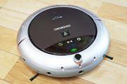 吹いて吸う!? 部屋の隅のゴミに強くなったロボット掃除機「COCOROBO」誕生