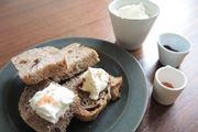 ホームベーカリー1台で作るフレッシュチーズ&くるみとドライフルーツのパン
