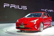 東京モーターショーで展示された4台の「プリウス」に触れた!