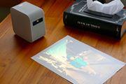 ソニーのポータブルプロジェクター「LSPX-P1」 は家庭でどう使うのがオモシロい?
