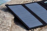 太陽光でスマホを充電できる、USBポート付きソーラーチャージャー3機種6モデル