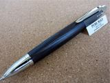 樹齢100年+熟成50年の「ホワイトオーク」が筆記具に!