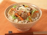 研いだお米に入れて炊くだけ!「炊き込みご飯」の素
