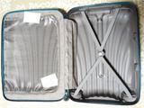 サムソナイト史上最軽量スーツケースで、重量オーバーを回避!