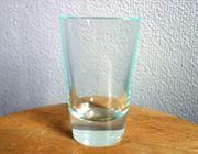 見た目はそのまんまガラスです。シリコン製の割れないコップ