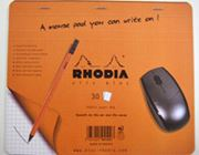 「メモ帳どこ?」を解決。メモに変身するマウスパッド