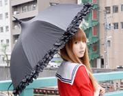 オシャレが捗る!いろんな服に合わせやすい晴雨兼用傘
