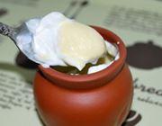 ふわとろ食感!素焼きの壺に入った魔法のプリン