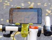 いろいろはさめて便利な? 自転車用スマホホルダー