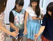 笑顔を保てるか?!アイドルがビリビリ電気ショックゲームに挑戦