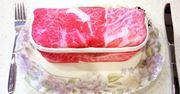 おいしそうな霜降り和牛…にそっくりな生肉ポーチを発見!