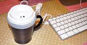 コンビニコーヒーがずっと温かい! USBカップウォーマー