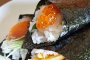 """手巻き寿司が超簡単♪ 普通のご飯が""""酢飯""""になる「魔法の海苔」"""
