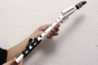 リコーダーとサックスが合体!? ヤマハの新感覚楽器「Venova」を素人が吹いてみた