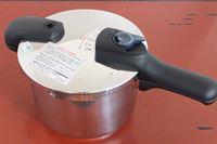 パール金属「クイックエコ 3層底切り替え式圧力鍋」で、圧力調理の幅がさらに広がる!