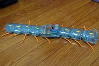 動き方がマジキモいw 大学の研究から生まれた「ムカデロボット」を組んでみた