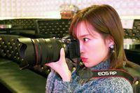 暗い場所で大活躍!? キヤノン「EOS RP」の魅力をアイドルのライブで大調査
