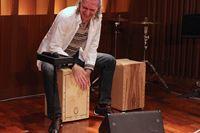 熱く叩け…! ヤマハがスペインの本格カホン「La Rosa Percussion」を日本投入