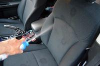 車内のニオイはシートのニオイ……消臭剤「ニオナックス」の効果を確かめた
