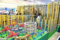 「プラレール博」開幕! 400編成が走行するジオラマ&トンネルが圧巻