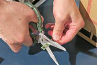 修理のプロが愛用! 「鉄腕ハサミGT」の切れ味が気持ちよすぎてクセになる