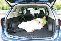 SUVの中でもバツグンの寝心地! スバル「フォレスター」で夏と冬に車中泊してみた