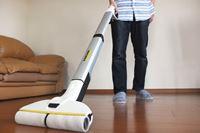ケルヒャー「水拭きフロアクリーナー」の実力を家中の汚れでチェック