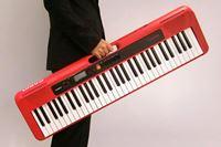 あの「カシオトーン」が復活してた! 実はG-SHOCKより古い「カシオ楽器の世界」知ってる?