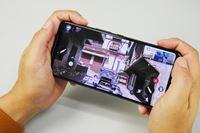 ゲームにステ全振りのゲーマー向けスマホ。ASUS「ROG Phone 2」登場