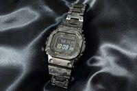 「G-SHOCK」からフルチタンの「5000」が初登場! レーザー彫りの迷彩柄が新しい