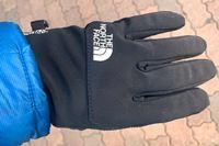 スマホ操作が超快適に! 今冬はザ・ノース・フェイスの手袋で決まり