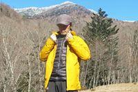 レインウェアとダウンジャケットが一体化するマムート「コンベイ 3in1 HSフーデッドジャケット」