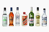 飲みすぎ注意……でも、寒〜い冬は「度数高めのお酒」であったまろう