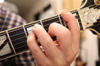 手の小さいギタリストが伝授! 手が小さくてもギター上達する方法