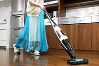 アルミフレームの掃除機って、おしゃれ! 使いやすさにこだわったエレクトロラックス「Pure Q9」