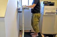 立ったまま仕事ができる「スタンディングデスク」をもっと快適にする方法