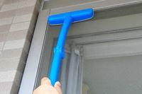 大掃除の最難関「網戸」をラクしてキレイにできるのは? 「網戸掃除グッズ」徹底比較!