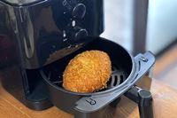 冷えたカレーパンが激ウマに! 「七千円切りノンオイルフライヤー」の実力に驚愕