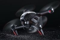 DJIが新型ドローン「DJI FPV」を発表。時速140kmの高速飛行を実現