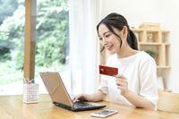 積立投資でポイント獲得! 「証券×クレジットカード」のトクするサービス5選