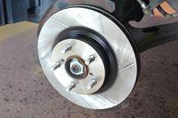 スバル車ユーザーに人気の「アクレ」! ブレーキローターの性能をインプレッサで確かめた