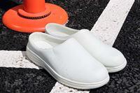 この靴、便利! 「ちょうどよいご近所履き」ならサボタイプの「カフ」しか勝たん